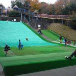 そり滑りが大人気!東平尾公園で思いっきり体を動かして遊ぼう