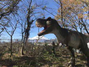 富士山をバックに恐竜?! 静岡県の恐竜スポット・博物館・公園4選