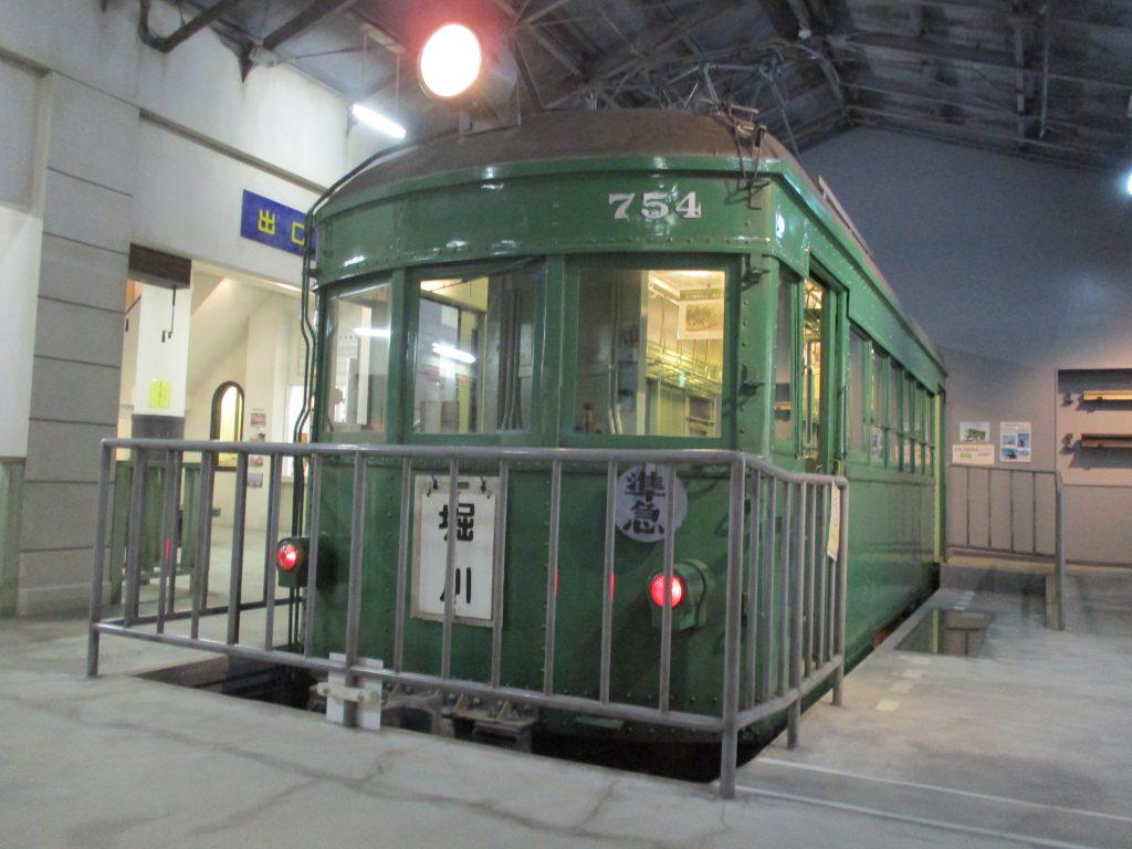 人気のせとでん「モ754」/瀬戸蔵ミュージアム(愛知県/瀬戸市)